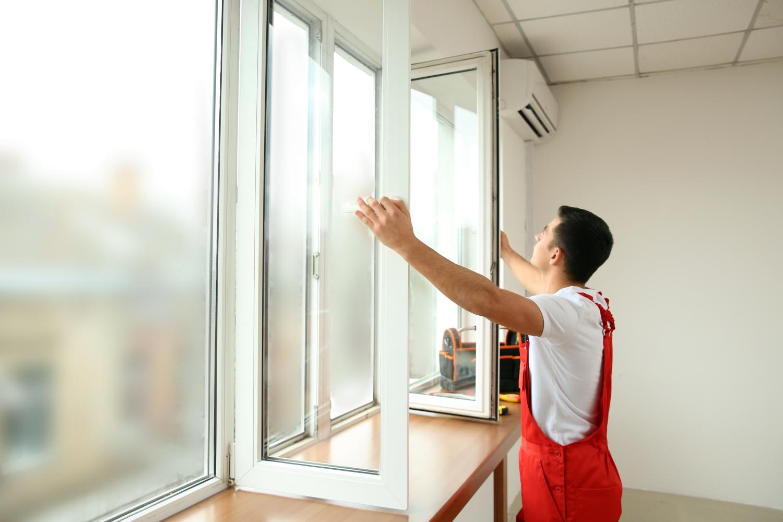 regulacja okna PVC